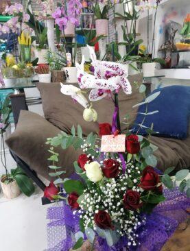 Özel Renk Orkide Ve Gül Aranjmanı